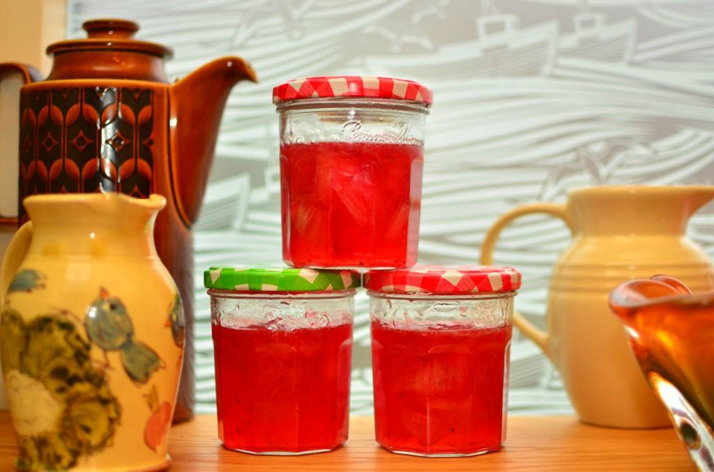 rhubarb rose and cardamom jam